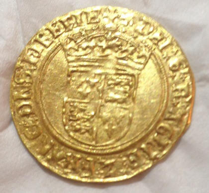 Gold coin found in Hemel Hempstead park sold for over £2000